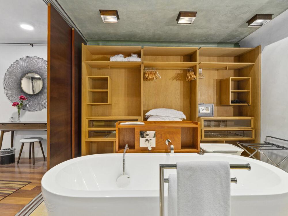 Villa_Rotana_ 247_Concierge_5