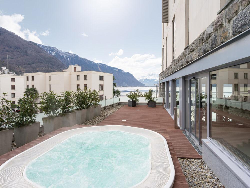 Lake_View Apt&Spa_247_Concierge_Ext