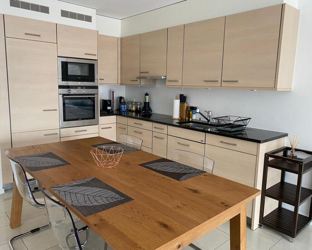 Montreux Lux One Bedroom Apartment Kitchen